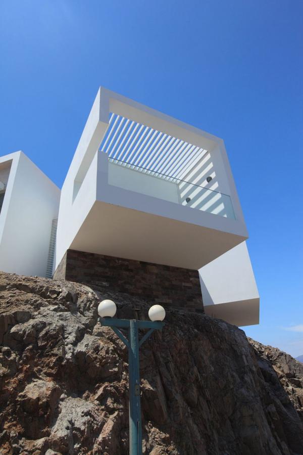 contemporary-beach-house-in-peru-6