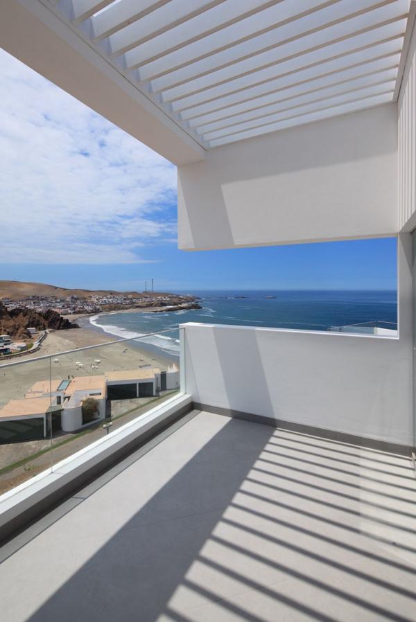 contemporary-beach-house-in-peru-9