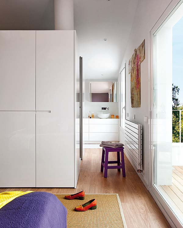 contemporary-fresh-interior-of-a-spanish-villa-10