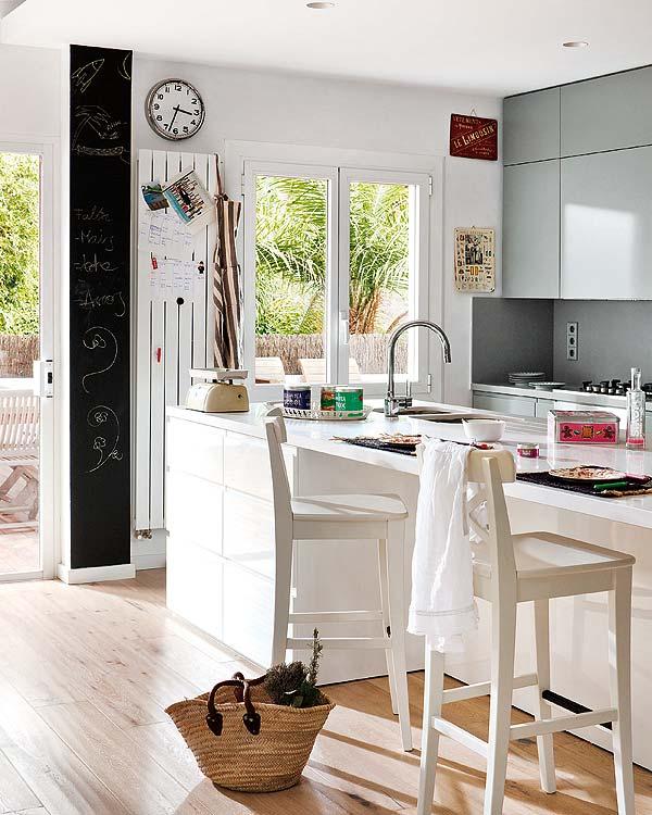 contemporary-fresh-interior-of-a-spanish-villa-7