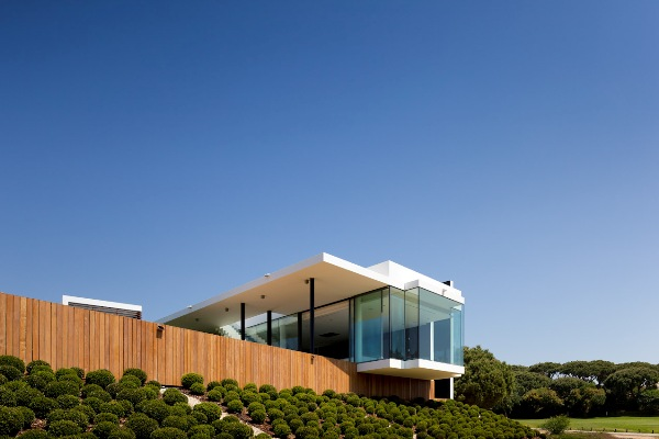 contemporary-golf-residence-in-portugal-1