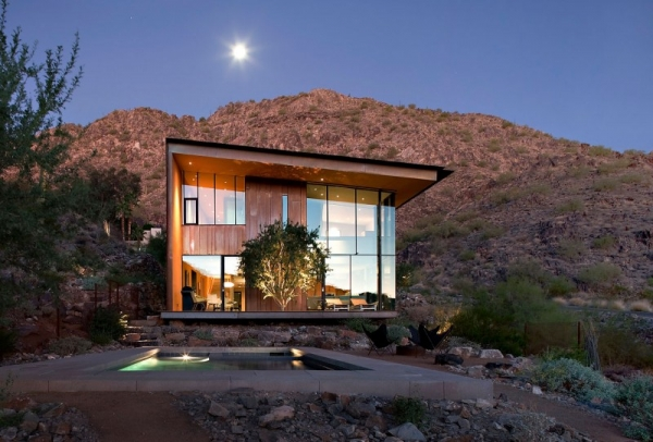 contemporary-luxury-surrounded-by-a-rocky-desert-landscape-1