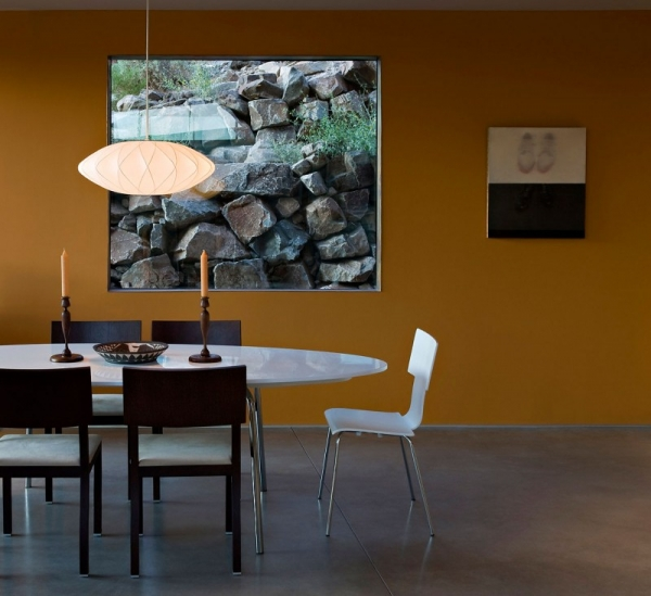 contemporary-luxury-surrounded-by-a-rocky-desert-landscape-8