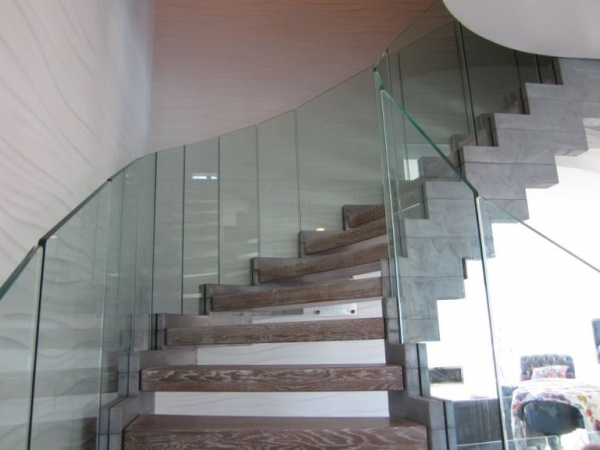 Contemporary staircases can make a home (11)