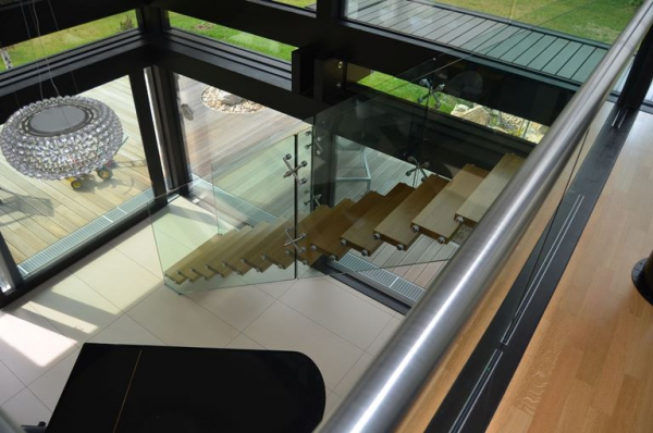 Contemporary staircases can make a home (15)