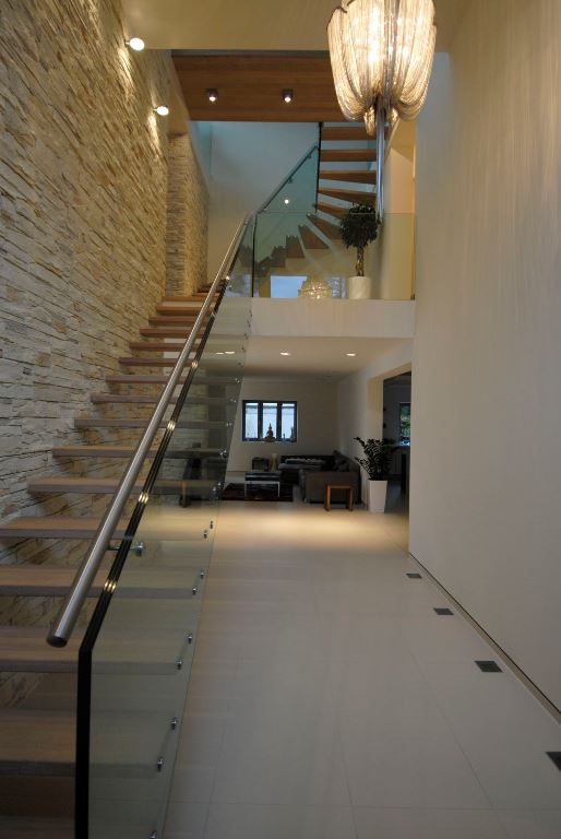 Contemporary staircases can make a home (17)