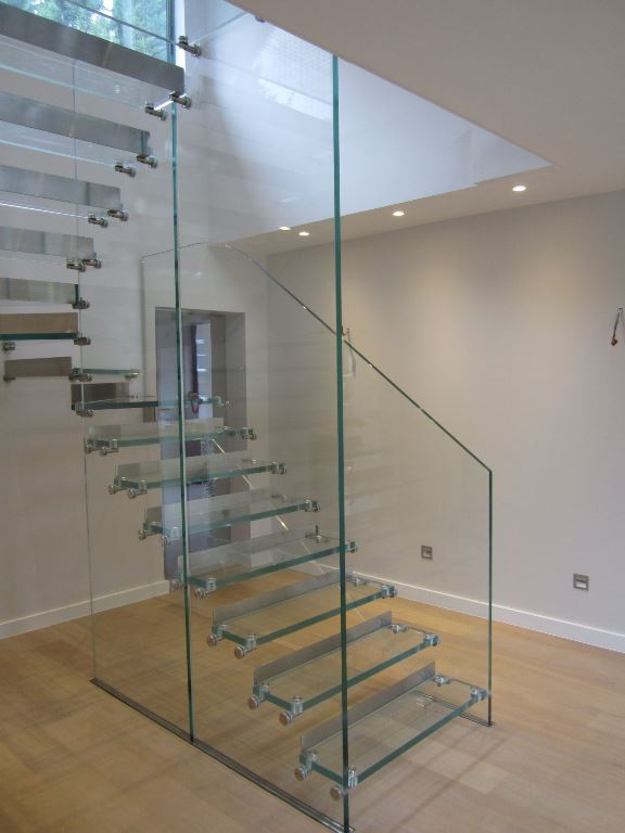 Contemporary staircases can make a home (4)