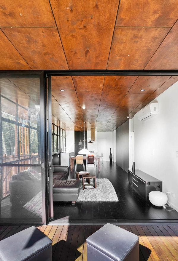 Contemporary Two-Story House by RefreshDesign (5).jpg