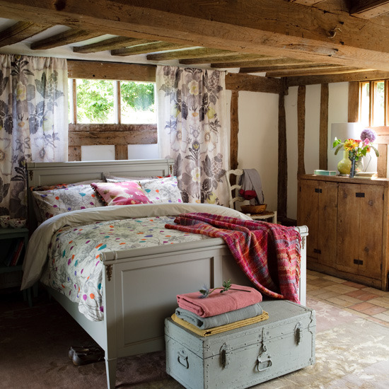 21 country bedroom designs adorable home for Country cottage bedroom