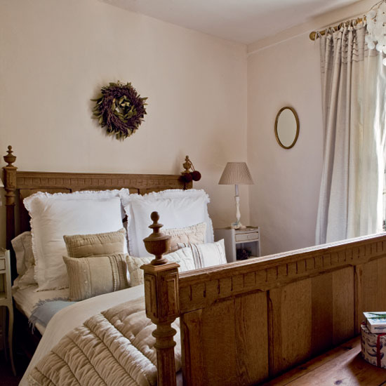 country-bedroom-designs-2