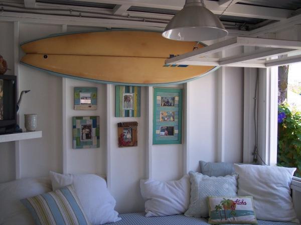 adorable-small-house-on-the-beach-3
