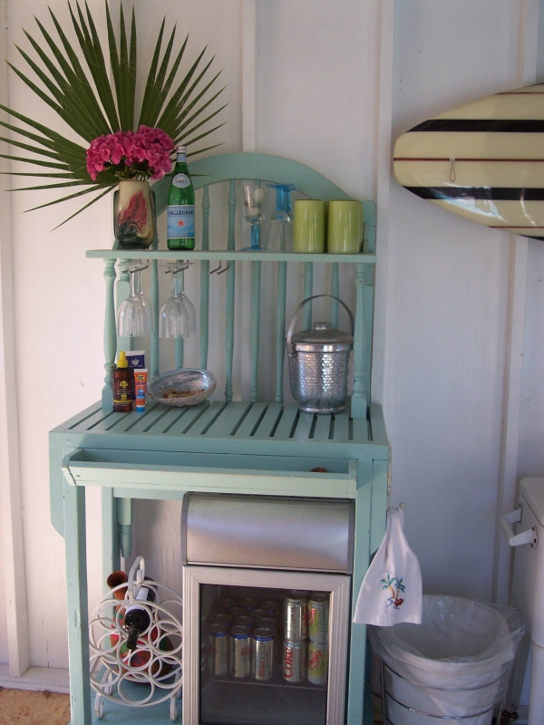 adorable-small-house-on-the-beach-5