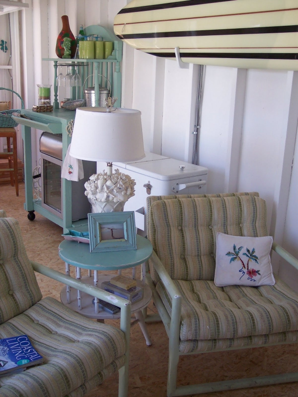 adorable-small-house-on-the-beach-7