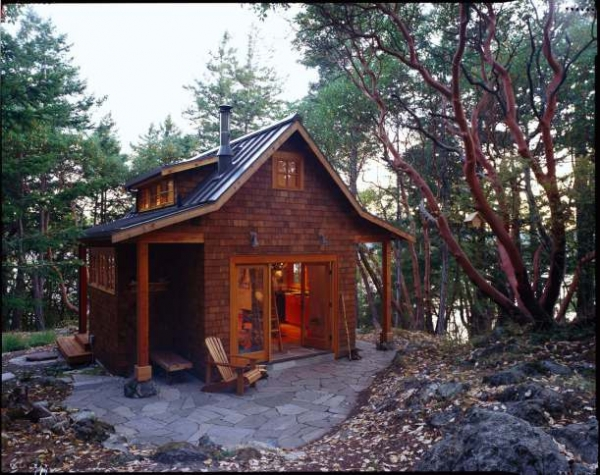 cozy-forest-cabin-on-orcas-island-1