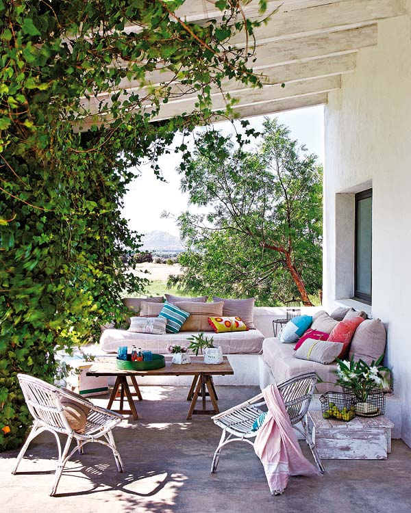 create-your-own-haven-in-an-outdoor-space-4
