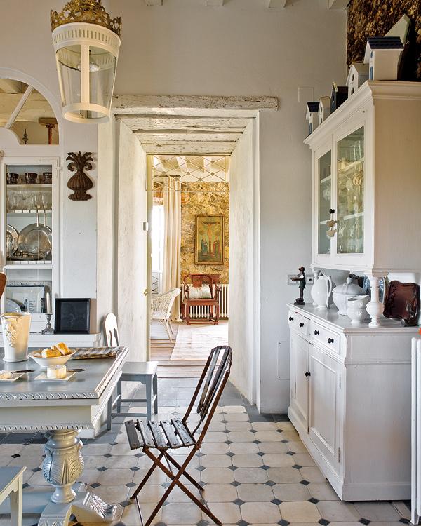 Creating an imaginative world: an antique interior ...