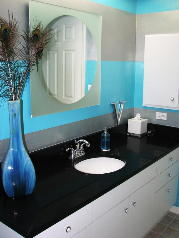 creating-colorful-bathrooms-10