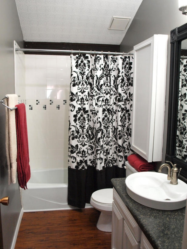 creating-colorful-bathrooms-13
