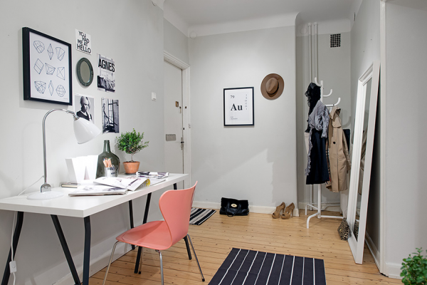 Cute apartment with simple black and white decor for Cute house decor