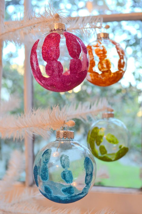 decorate-with-christmas-ball-ornaments-10