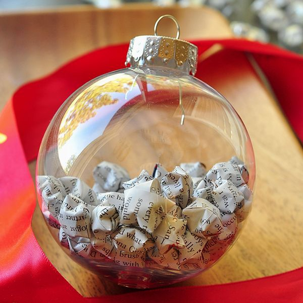 decorate-with-christmas-ball-ornaments-15