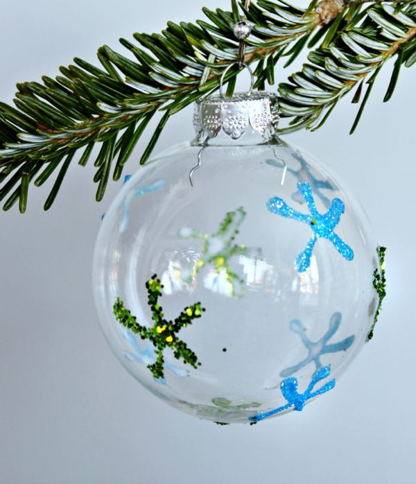 decorate-with-christmas-ball-ornaments-20