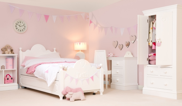 decorating-a-kids-room-with-style-1
