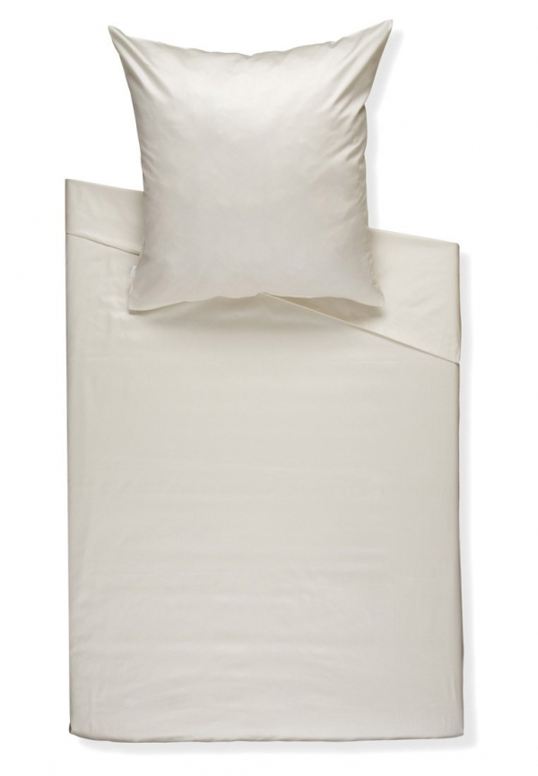 decorating-with-bedding-sheets-3