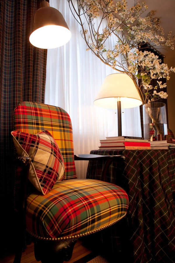 decorating-with-plaid-pattern-2