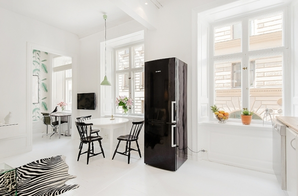 delicately-done-a-white-apartment-3