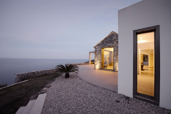 Designs to leave you speechless contemporary villa in Greece (7).jpg
