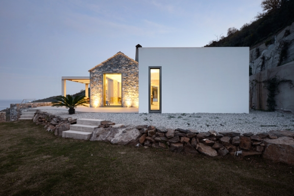 Designs to leave you speechless contemporary villa in Greece (8).jpg