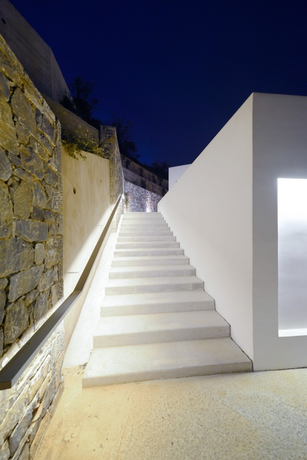 Designs to leave you speechless contemporary villa in Greece (9).jpg