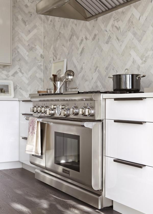 gorgeous white kitchen  (6)
