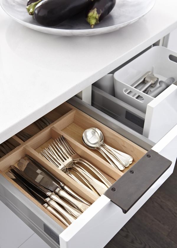gorgeous white kitchen  (7)