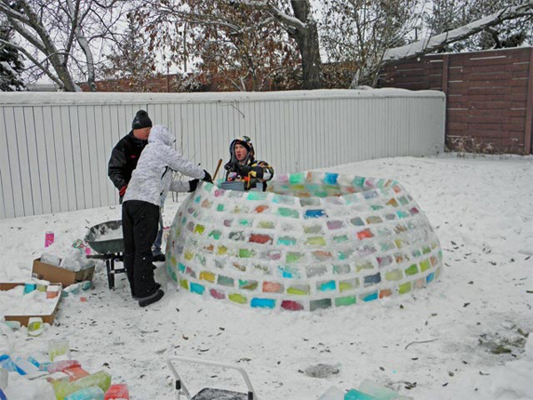 diy-colorful-igloo-in-the-backyard-4
