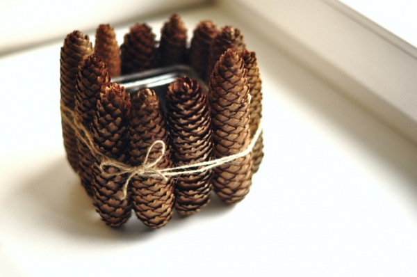 diy-pine-cone-candle-holder-4