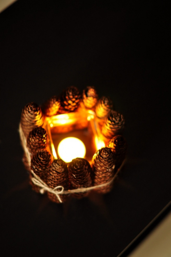 diy-pine-cone-candle-holder-6