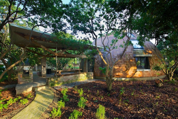 Earthy dialogues dome home  (1)