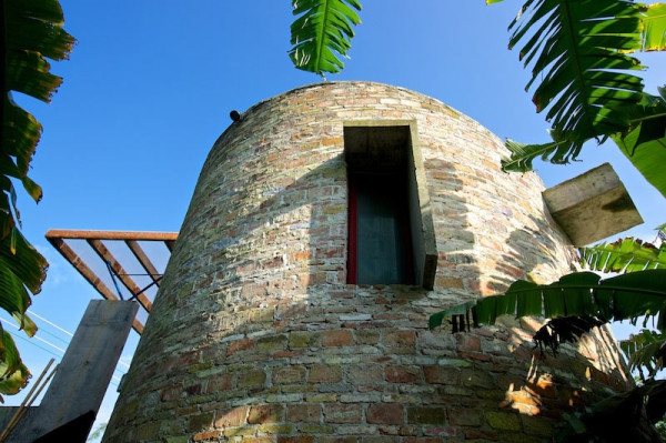 Earthy dialogues dome home  (12)
