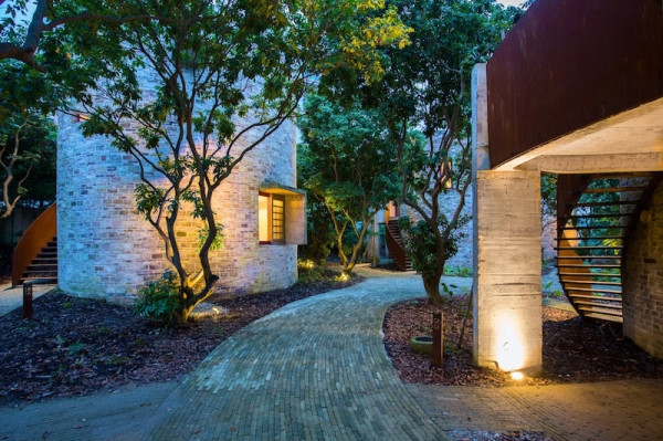 Earthy dialogues dome home  (9)