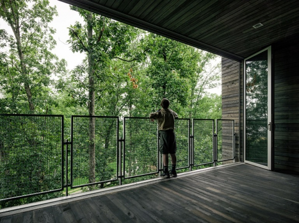 element-of-play-in-this-innovative-tree-house-design-5