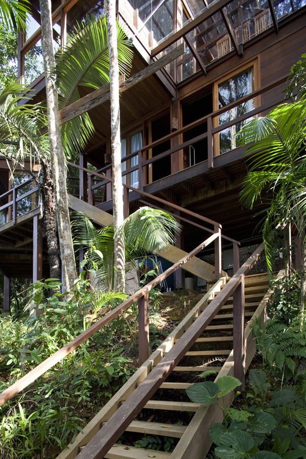 environment-friendly-house-in-the-brazilian-forest-10