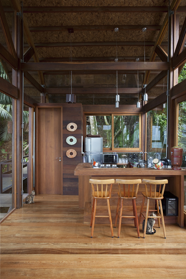 environment-friendly-house-in-the-brazilian-forest-11