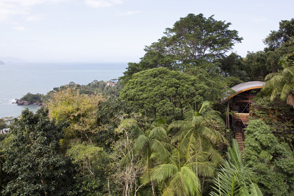 environment-friendly-house-in-the-brazilian-forest-7
