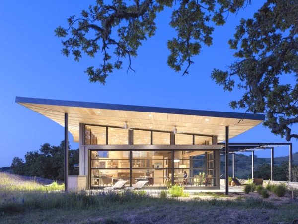 Environmentally Friendly Home Design On The Californian Hills