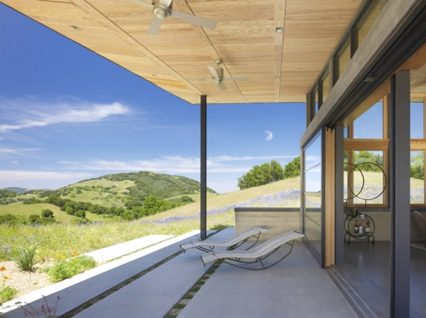environmentally-friendly-home-design-on-the-californian-hills-5