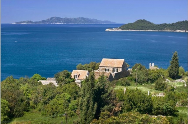 fashioning-the-perfect-getaway-an-adriatic-home-1
