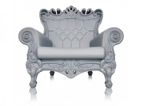 feel-like-royalty-with-queen-of-love-chairs-6