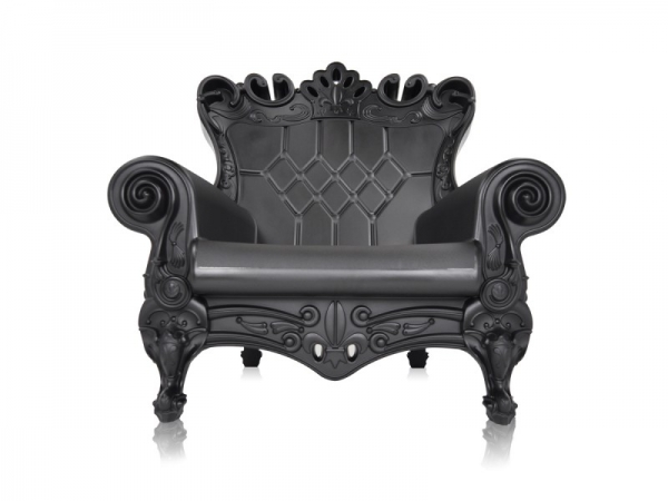 feel-like-royalty-with-queen-of-love-chairs-8